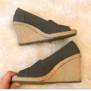 Toms grey canvas wedges